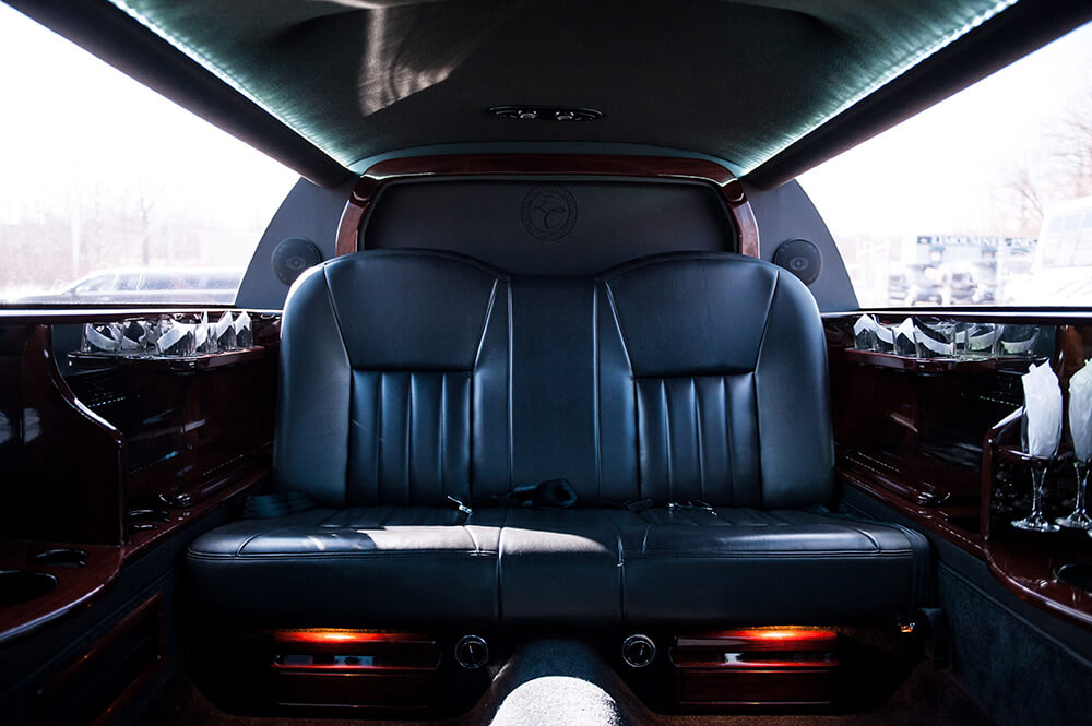 Lincoln Town Car Limousines Inc